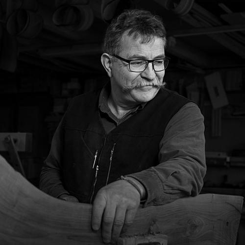 Portrait de Philippe Emery, créateur ébéniste suisse